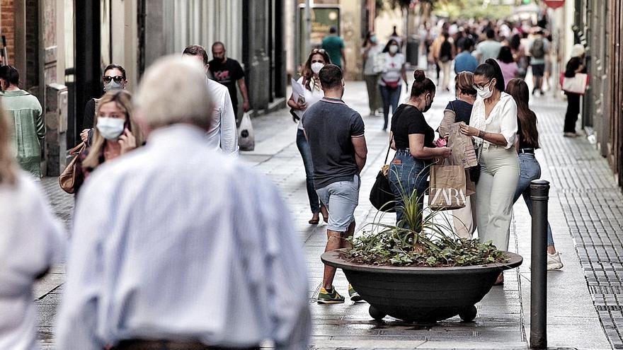 Canarias suma dos fallecidos y 111 contagios en las últimas 24 horas