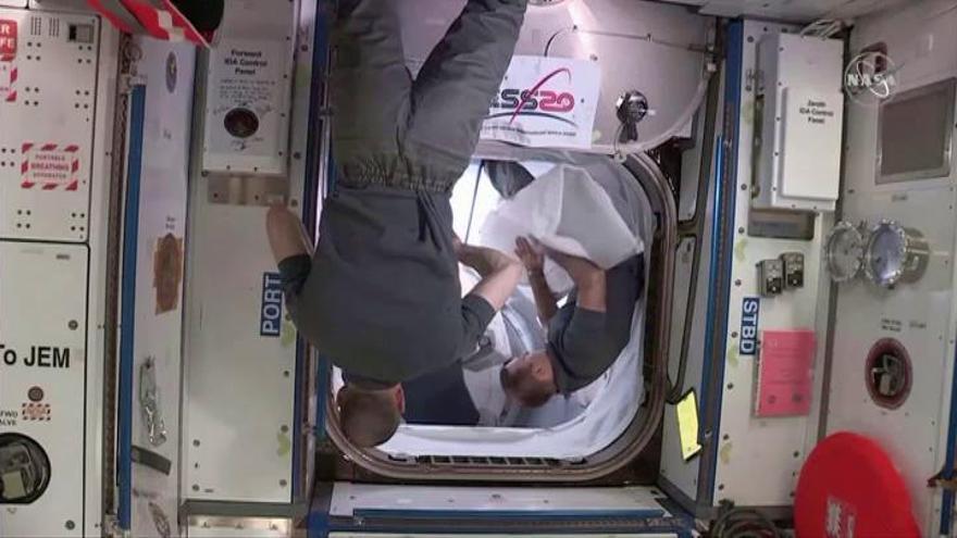 La SpaceX regresa a la Tierra tras desacoplarse de la Estación Espacial Internacional
