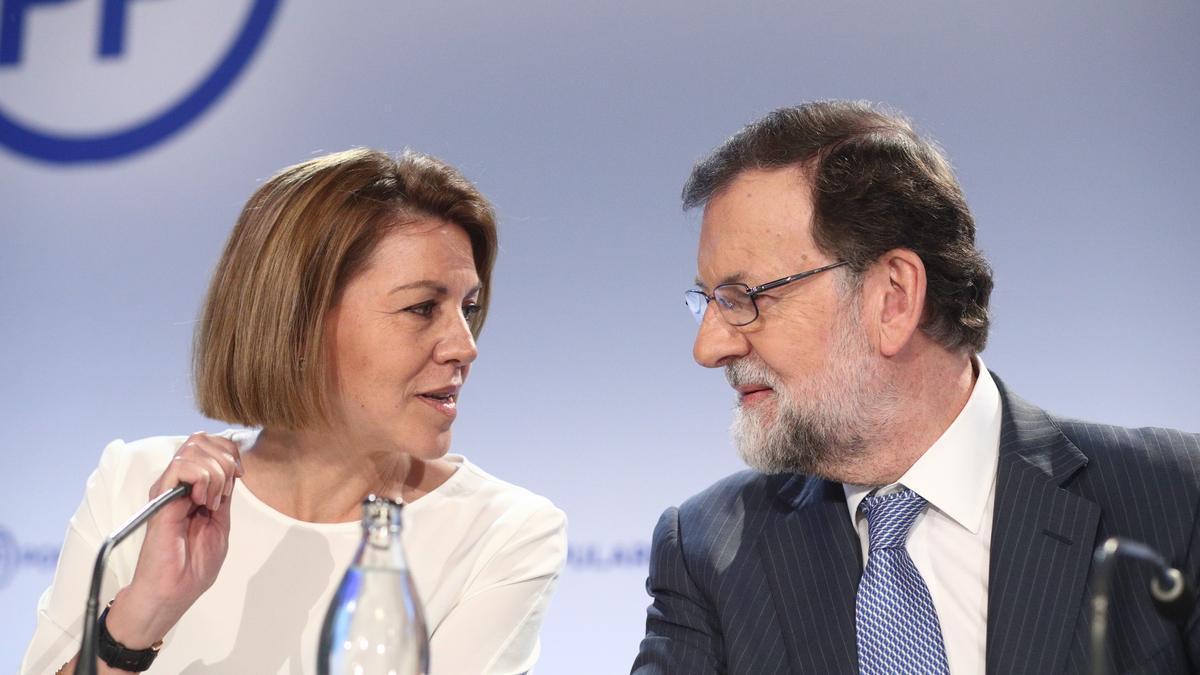María Dolores de Cospedal y Mariano Rajoy durante una reunión del PP.