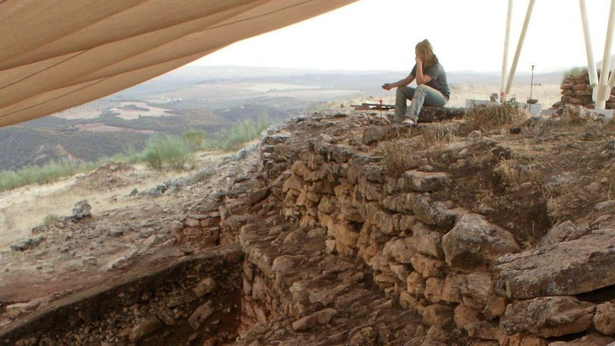 Hallan un poblado fortificado de hace 5.000 años en Algarinejo, junto al pantano de Iznájar