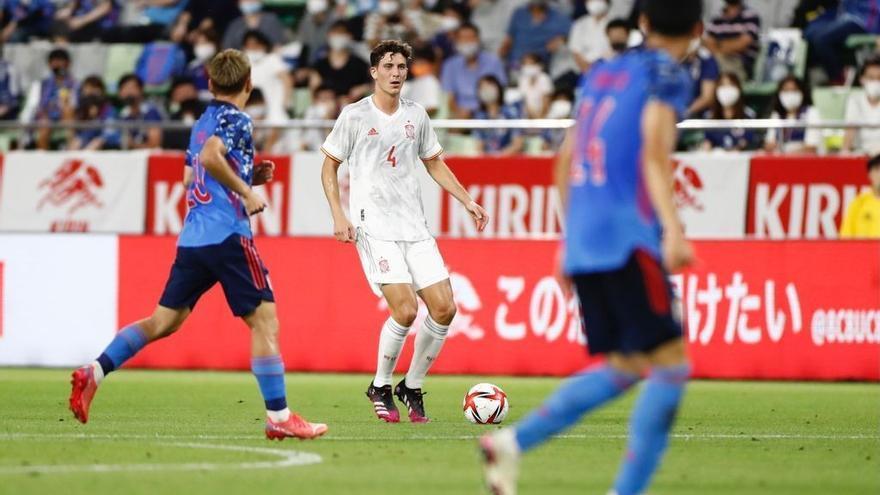El jugador del Villarreal Pau Torres lidera a la selección olímpica en su amistoso ante Japón (1-1)
