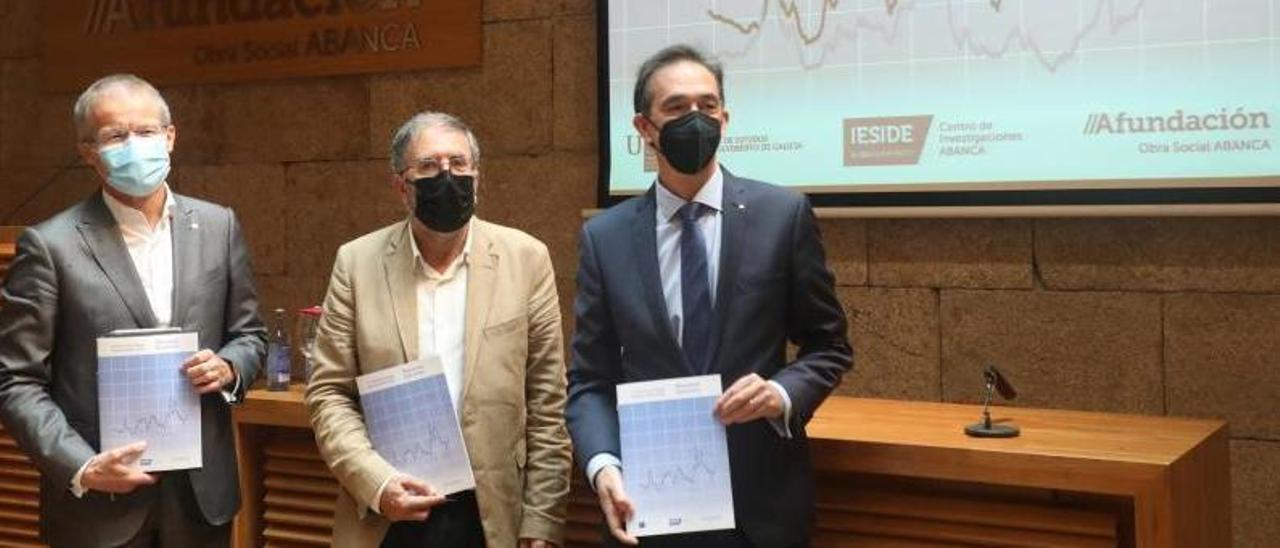 Presentación en Santiago del informe de Abanca sobre la evolución de la economía gallega.    // XOÁN ÁLVAREZ