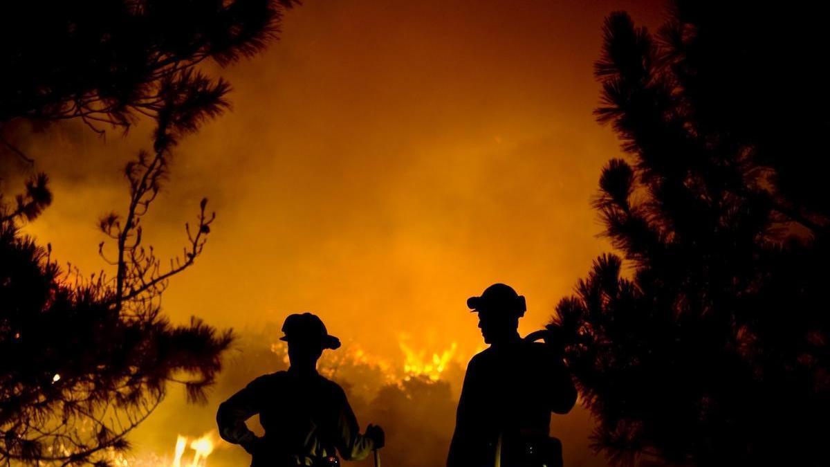 Incendio en el Cañón de San Gabriel, California.
