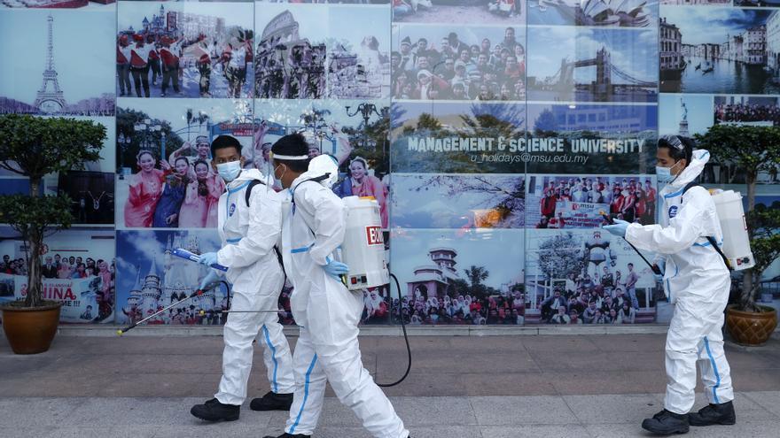La pandemia deja ya más de 113 millones de casos y 2,5 millones de muertos en el mundo