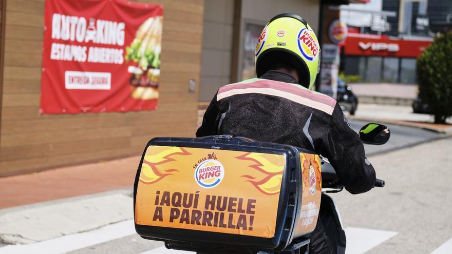 Burger King pide a sus clientes que también consuman en McDonald's