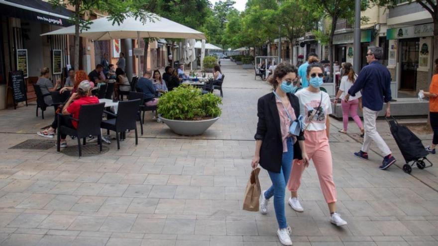 Maske, Rauchen, Gastro - die aktuellen Corona-Regeln