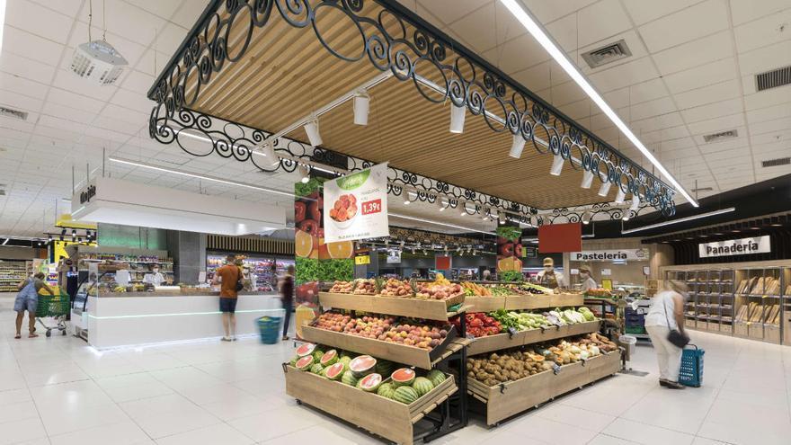 Hiperdino invierte cinco millones para la reforma de dos tiendas del Sur