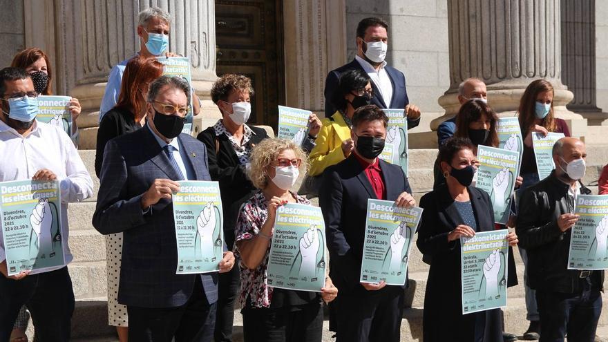 Front comú de partits per a una apagada massiva contra la tarifa elèctrica