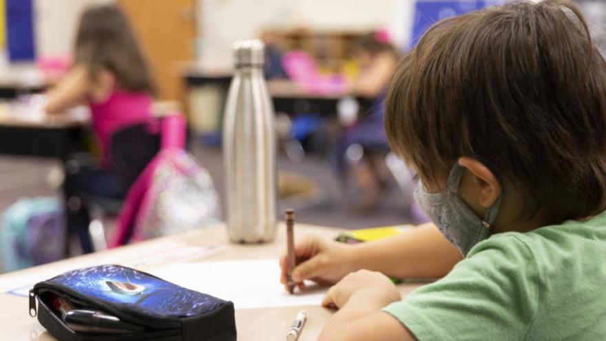 Canarias decidirá en una semana si puede arrancar el curso escolar con normalidad