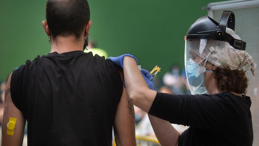 Castilla y León abrirá la autocita en agosto para vacunar entre 12 y 29 años