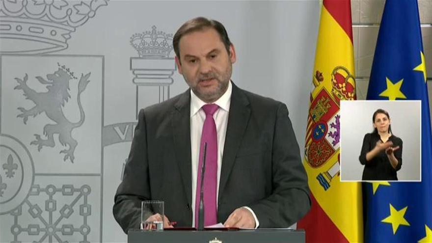 """El Gobierno insiste en pedir apoyo para los """"Pactos de la Moncloa"""""""