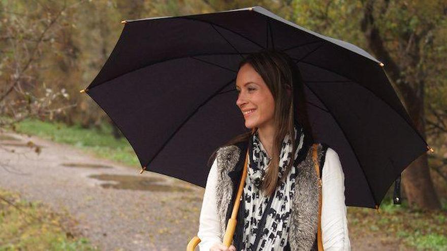 Las botas de agua y el paraguas, complementos imprescindibles en Castellón
