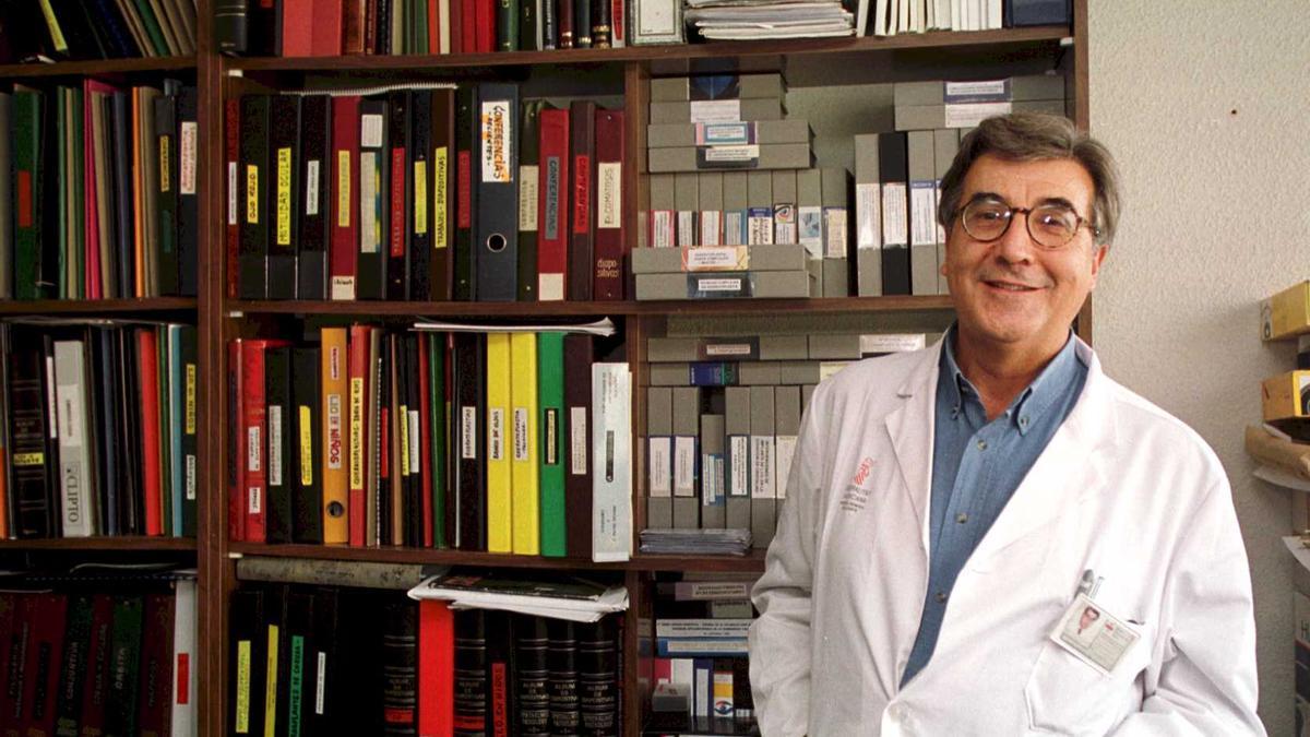 El oftalmólogo José Belmonte en 1999, año en que recibió el premio Importante de INFORMACIÓN.