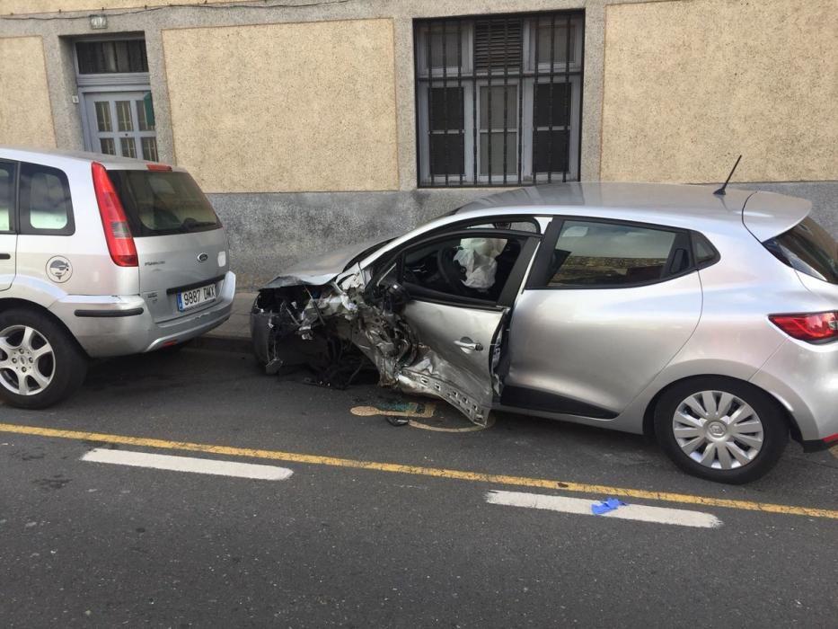 Aparatoso accidente en Guanarteme (30/06/18)