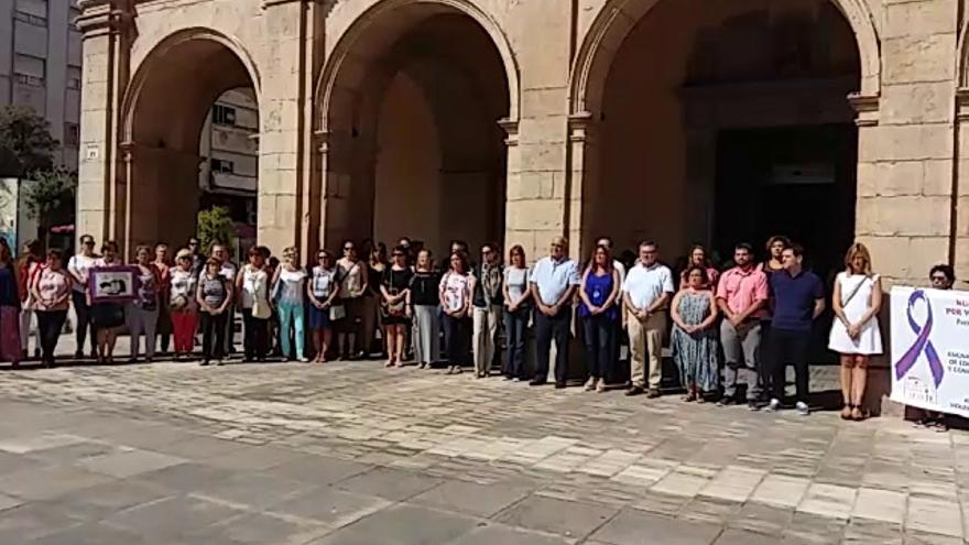 Conmovedor minuto de silencio en Castellón en repulsa por el asesinato de Eva Bou
