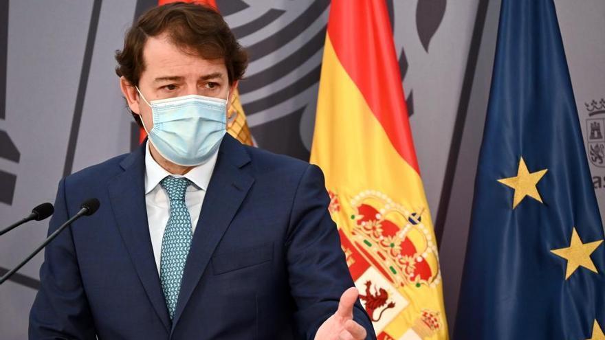 Mañueco advierte de que tomará medidas para proteger la vida y la salud frente al COVID