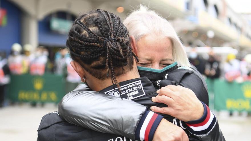 """Hamilton: """"Sin el equipo no hubiera sido capaz """""""