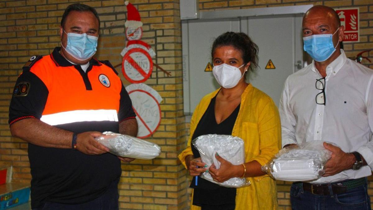 Dos empresas donan mil mascarillas a los escolares de Cerdedo-Cotobade