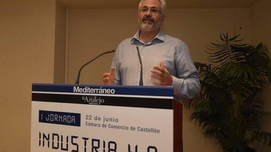Los expertos urgen a la industria de Castellón a dar el salto y digitalizarse