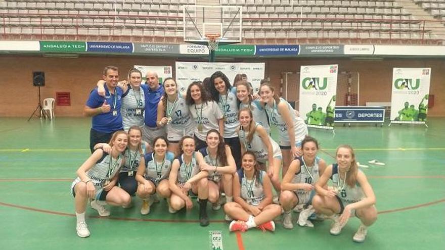 El equipo de baloncesto femenino de la UMA gana el Andaluz Universitario