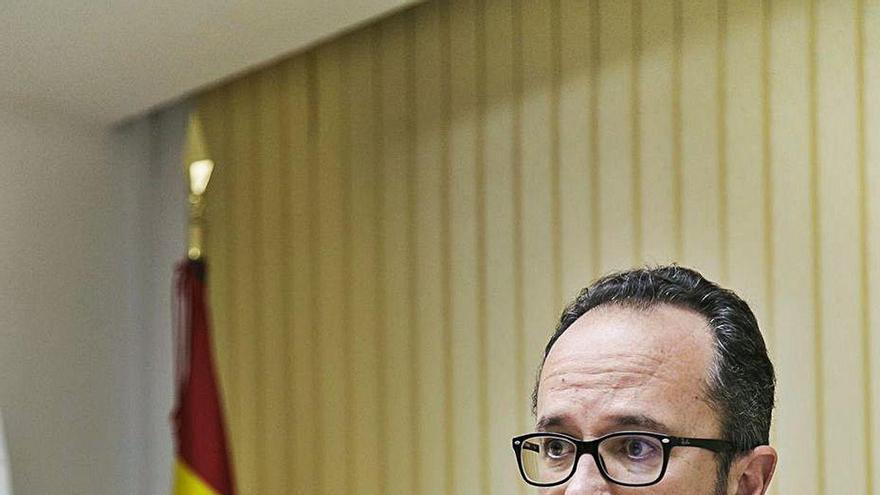 """""""Si 27 diputados aprueban la oficialidad, los asturianos deben votarla en referéndum"""""""