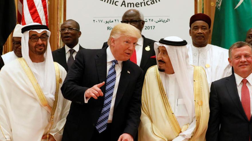 Trump pide unidad en la lucha contra el extremismo a los líderes musulmanes