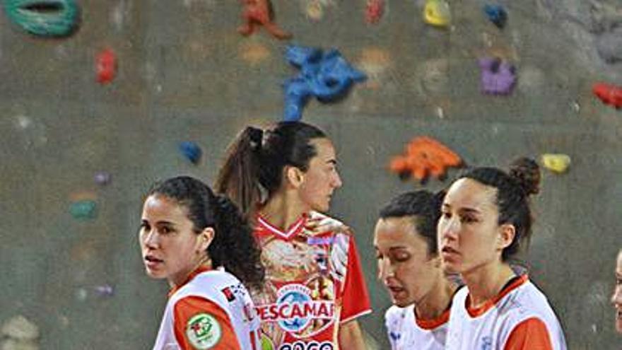 Vane Barberá, Iria Saeta y Judith Pedreira trabajarán con la base del Envialia
