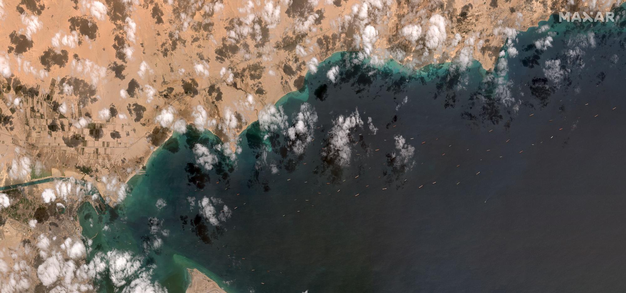 El canal de Suez, bloqueado por un carguero
