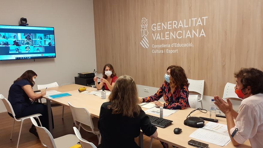 Agotadas en pocas horas las más de 11.000 plazas para la prueba de nivel C1 de Valenciano