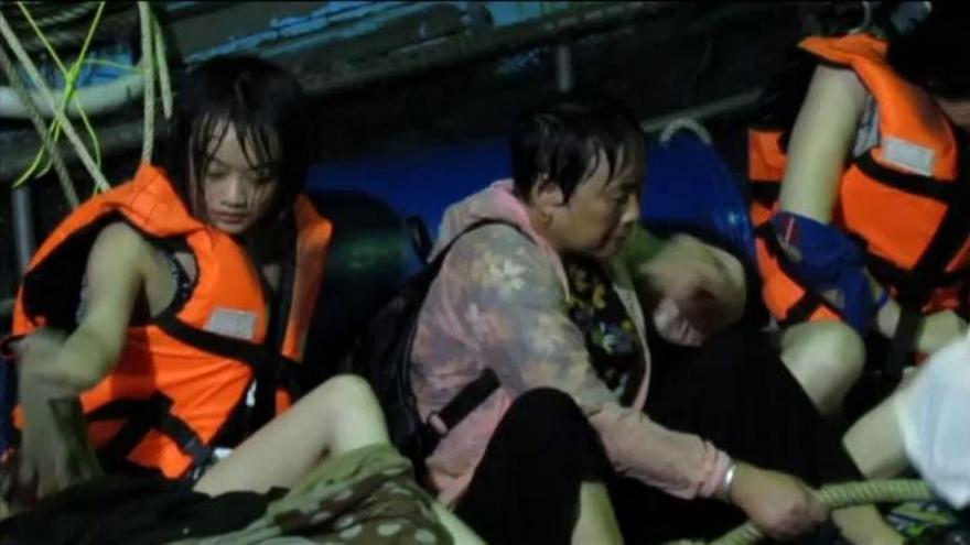 Al menos 17 muertos en un naufragio en Tailandia