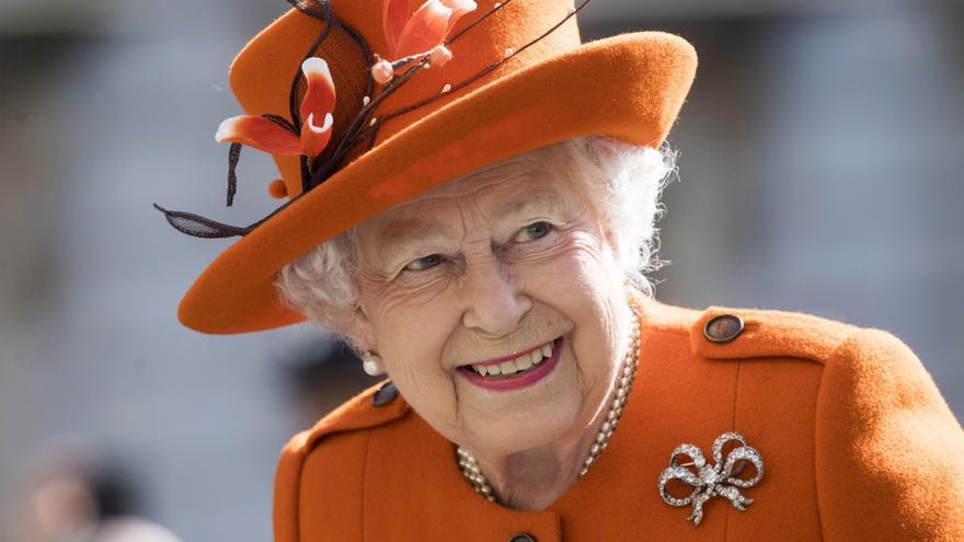 """La reina Isabel II rechaza el premio a la 'Anciana del año' alegando no sentirse """"vieja"""""""