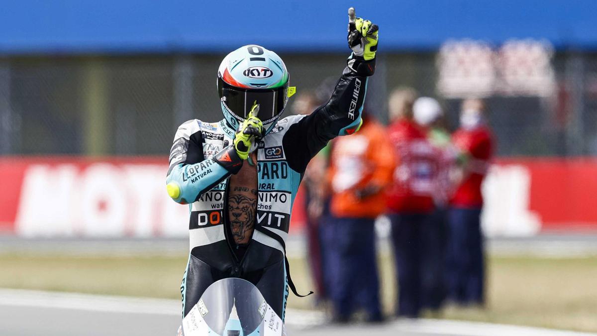 Dennis Foggia celebra su victoria en el GP de Países Bajos.