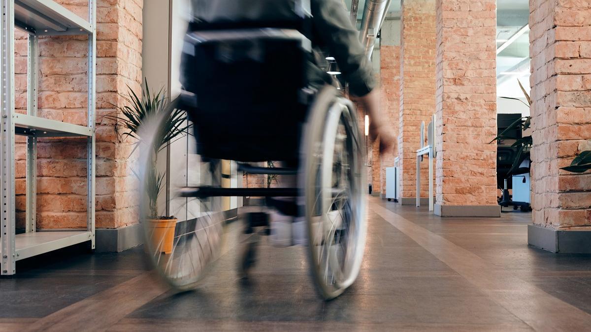 Los contratos a personas con discapacidad se reducen un 23 % en un año