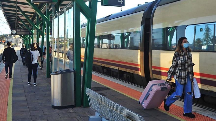 Renfe pone a la venta los billetes del primer tren directo entre Vilagarcía y Madrid