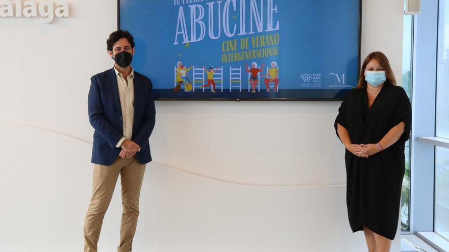La Diputación de Málaga anima a abuelos y nietos a disfrutar del cine de verano en catorce municipios de la provincia