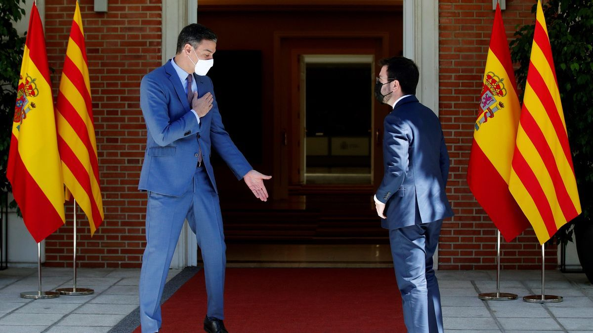 The President of the Government, Pedro Sánchez, receives the President of the Generalitat, Pere Aragonès.