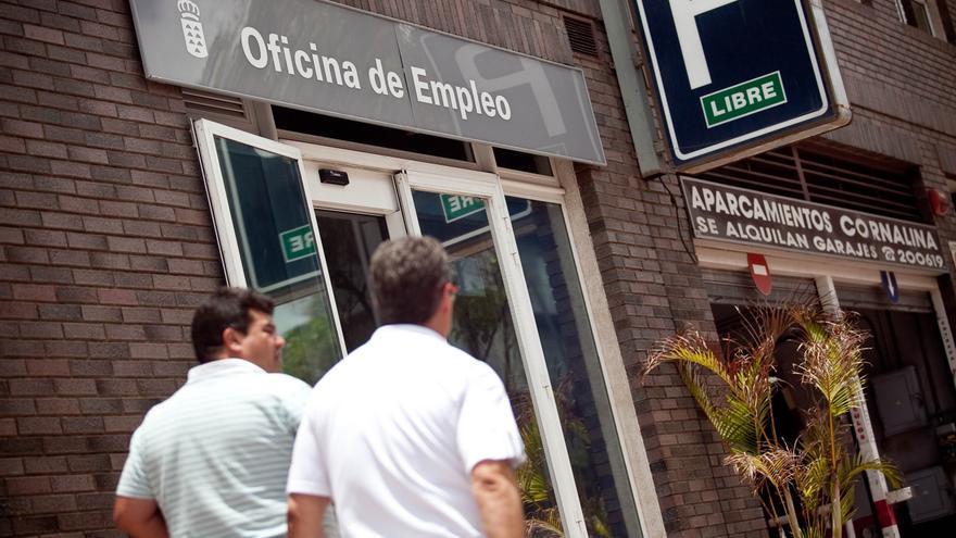 Canarias suma 45.900 parados en el último año