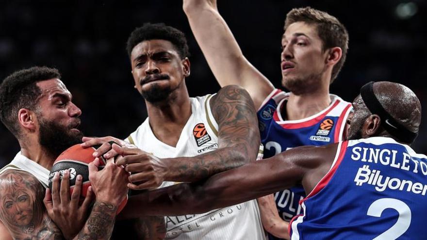 El Madrid encaja su segunda derrota en Europa ante el Efes