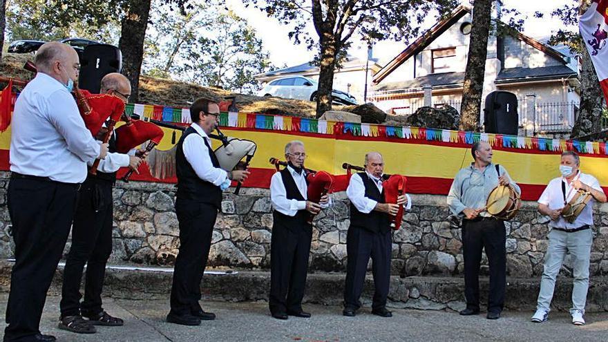De la Alborada al baile en Pedrazales