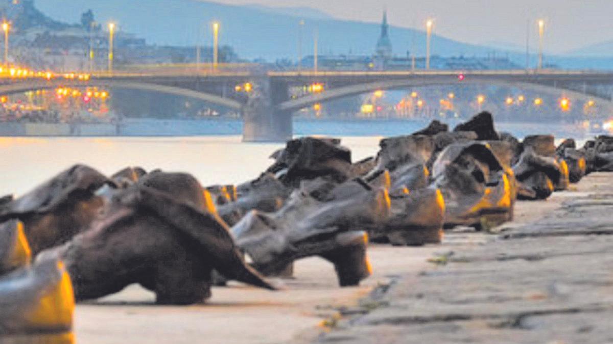 Monumento al Holocausto a las orillas del Danubio.