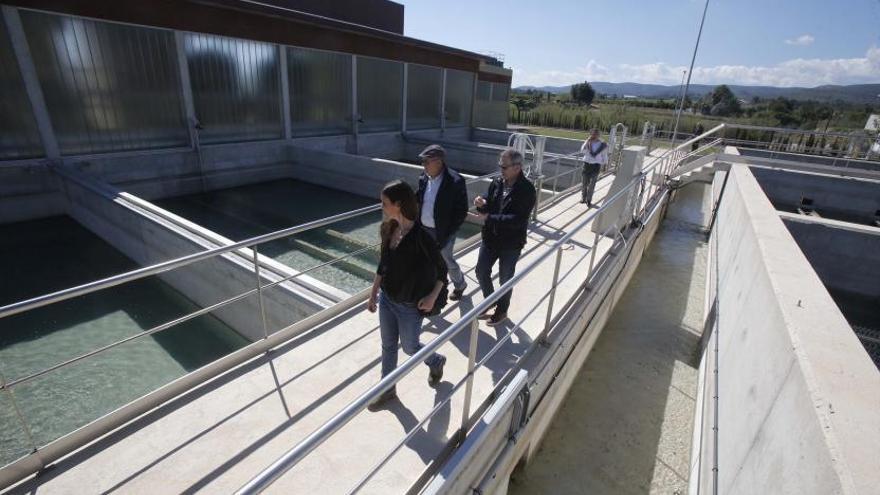 Parte de la Ribera espera desde hace 20 años que llegue el agua sin nitratos