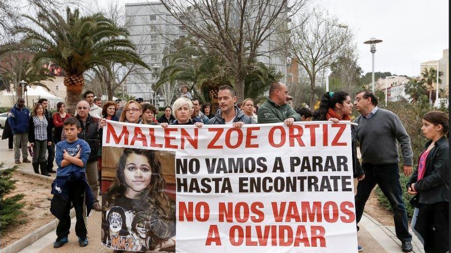 Las familia de la desaparecida Malén Ortiz acude al Congreso