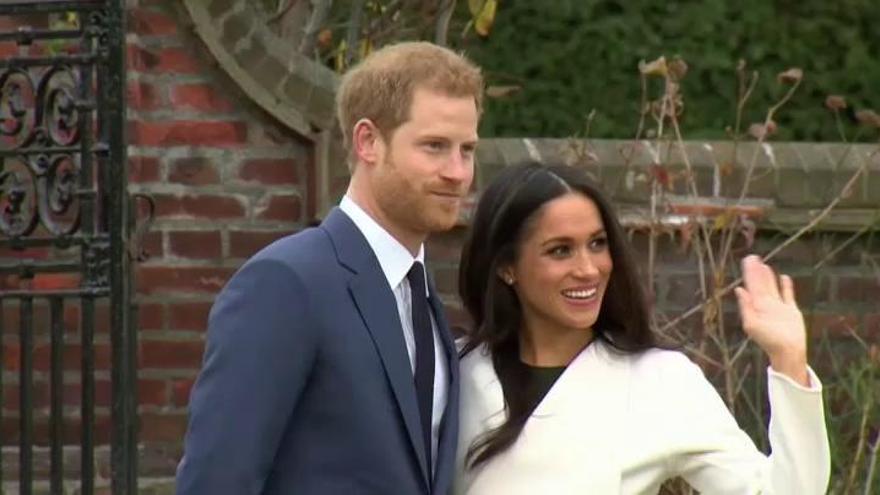"""Isabel II anuncia la """"transición"""" para los duques de Sussex"""