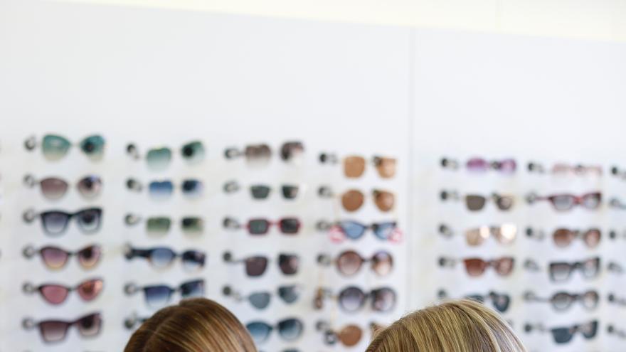 El mayor catálogo de modelos y marcas de gafas lo encontrarás en Óptica Óptima