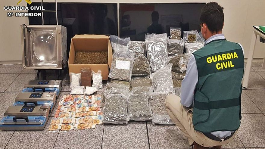 Detenidos en Callosa y Alicante por enviar droga por paquetería