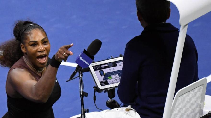 """Serena Williams califica de """"sexista"""" la sanción que le impuso el juez de silla"""
