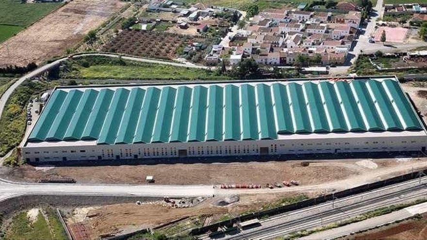 Adif saca a concurso el alquiler de las naves industriales de Bobadilla Estación por 20 años