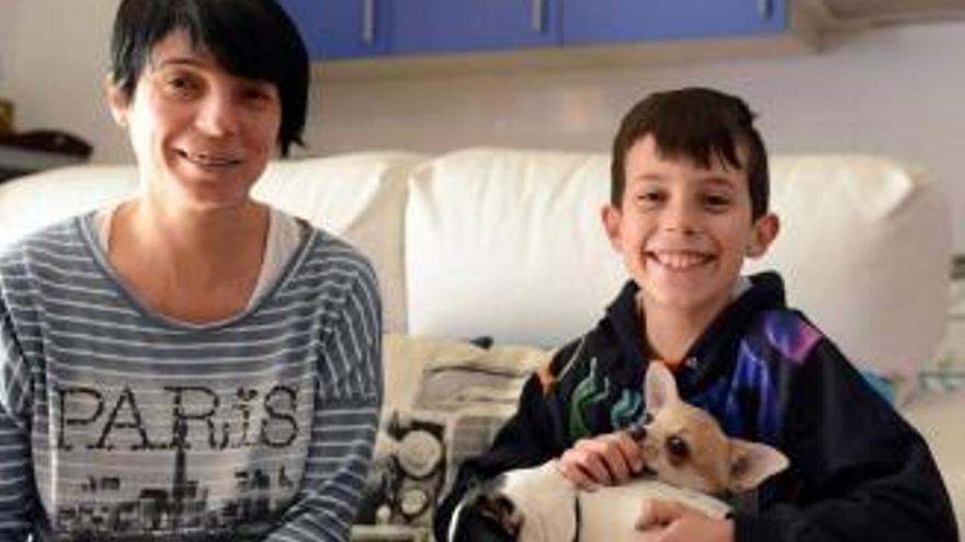 Un niño de 10 años salva a su padre tras sufrir un síncope en su casa de Mieres