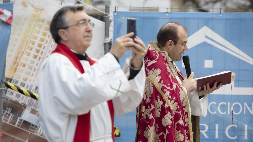 La parroquia de San Nicolás retransmitirá 17 actos religiosos
