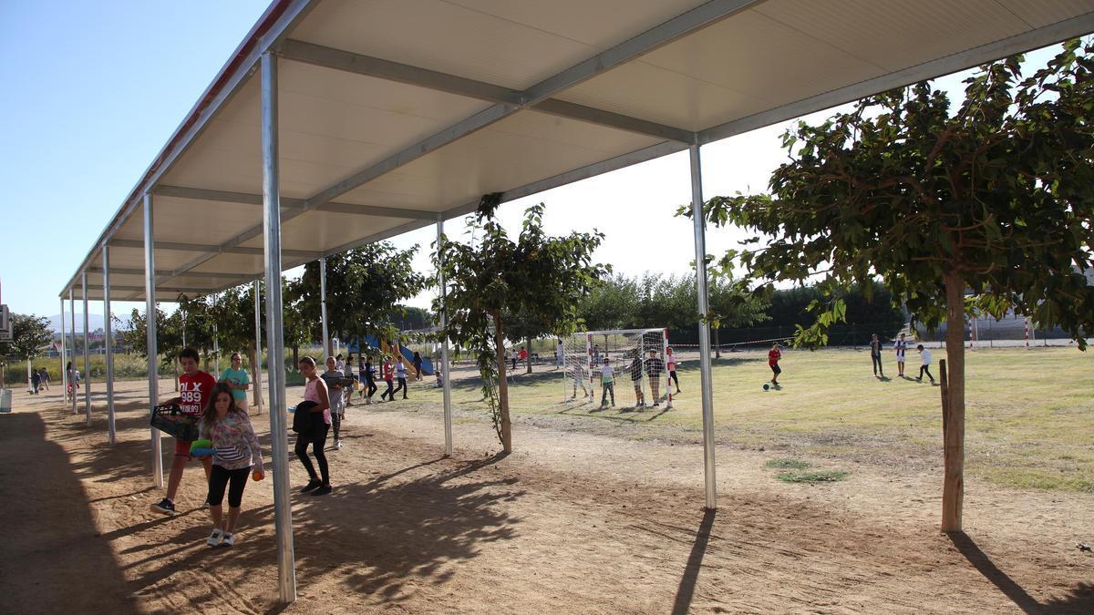 Una de les propostes és millorar el pati de l'Institut-Escola El Bruel